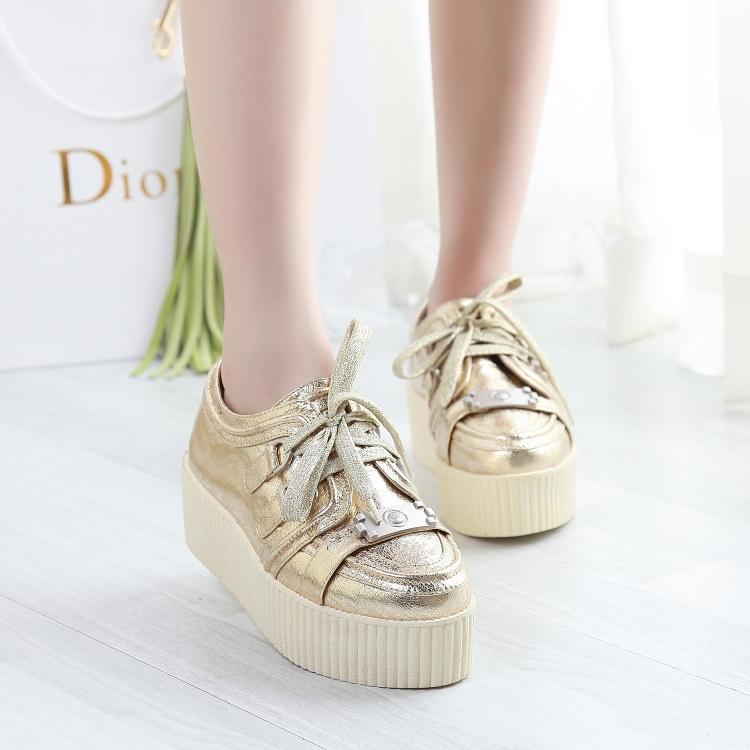 Frete grátis Pequenas flores de couro ouro genuíno sapatos único lacing sapatos de plataforma elevador do couro sapatilhas femininas mulheres flats(China (Mainland))