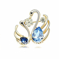 Romantic two crystal swans bulk brooch with 18K gold-plated for wedding free shipping