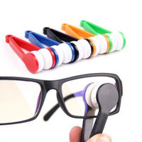 1pcs x New Mini Sun Glasses Eyeglass Microfiber Brush Cleaner Random Sending