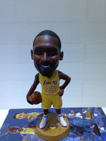 Free shipping The latest 2014 lakers basketball star kobe simulation shook his head doll/dolls, doll