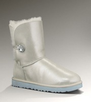 2013 fall/winter women BAILEY I DO! snow boots with a soft sheepskin-covered insole and light and flexible, molded-EVA outsole