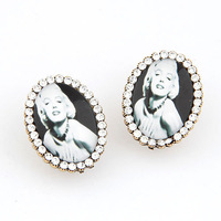 Europe Fashion Exquisite OL Full Of Crystal Oval Girl Gold Metal Twinkling Charms Women Stud Earrings
