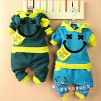 Autumn and winter children's clothing male female child baby clothes 2 - 1 child plus velvet thickening sweatshirt set