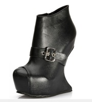 Autumn new  2013  Women's s fashion  European Style rivet decoration  strange heel thick platform boots Y444