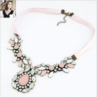 Fashion Accessories Factory Price 2013 New Arrival Pink Rhinestone Drop Flower Short Necklace For Woman HOT