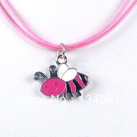 Cheap Cartoon Bee Charm Necklaces Jewelry Gift For Children Wholesale Free Shopping Kid's Necklace0060