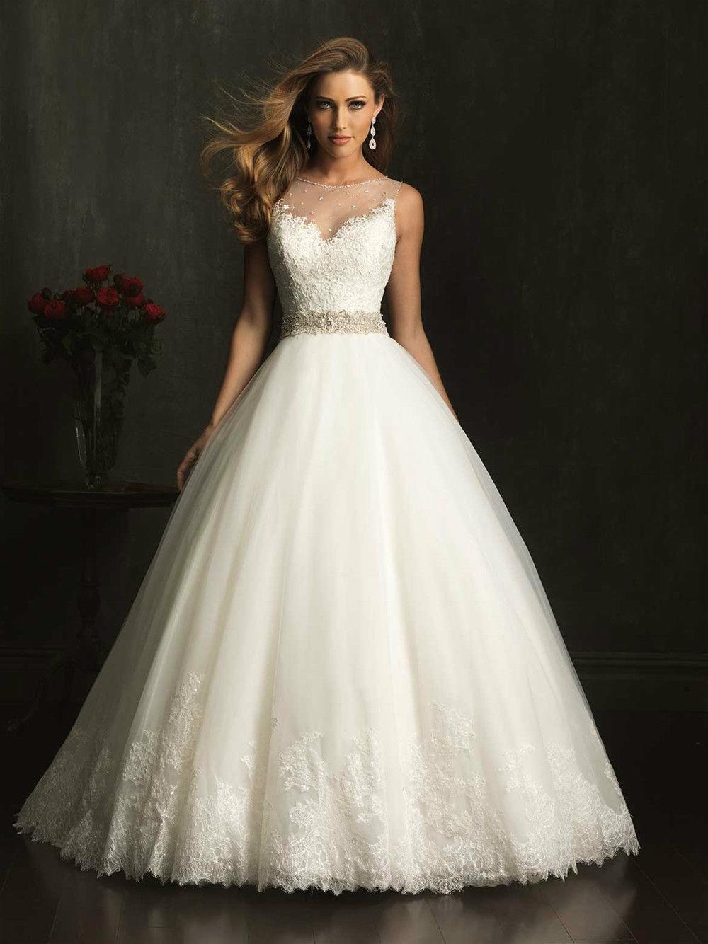 Свадебные платья с кружевом на юбке