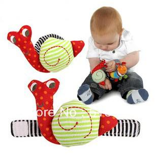 Frete grátis 2013 chegada nova linda Caracol Chocalho do bebê brinquedos do bebê Presente Plush Wrist Rattle banda pulso Brinquedos Educativos 2pcs / lote(China (Mainland))