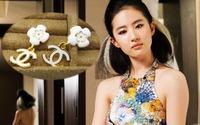 The new 2013 han edition stud earrings fashion earring stereo feeling super white camellia stud earrings