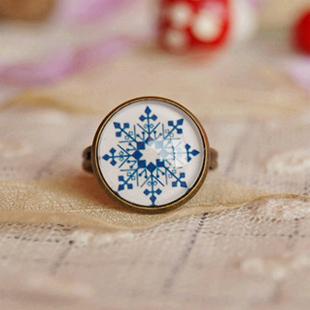Wholesale Christmas Snowflake Rings Adjustable Bronzed Rings Gift Ideas 12pcs/lot jz026(China (Mainland))