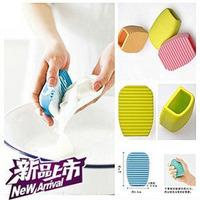 Novelty necessities yiwu hand-held hot-selling mini sudsy derlook slip-resistant