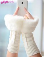 Korean version of the lovely ladies wild imitation rabbit fur mitts warm winter wool half-finger gloves