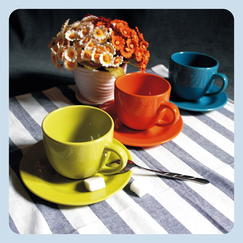 Beautiful candy color lovers coffee cup and saucer set multicolour solid color ceramic cup(China (Mainland))