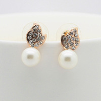 Free Shipping Korean Elegant Fashion Jewelry, 18K Gold Plated Crystal Leaf Shape Pearl Stud Earring For Women Ladies and Girls