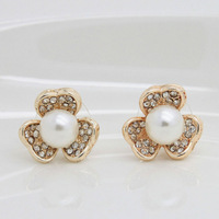 2013 New Fashion Pearl Jewelry,Rhinestone Crystal Flower Earring,Shining Gold Plated Pearl Stud Earring Wholesale For WomenZCS03