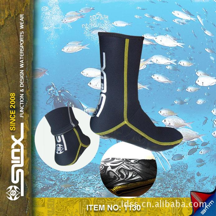 slinx  3mm neoprene socks for diving equipment,swimming neopren socks,submersible, dive soles(China (Mainland))