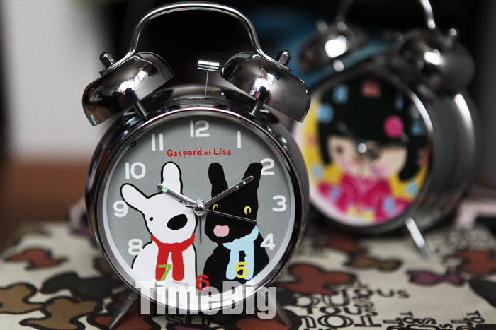 Black blue scarf white cartoon digital alarm clock red white scarf(China (Mainland))