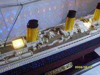 1:360 Titanic kit passenger liner ship model with light and cell box