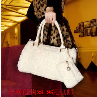 2013 autumn and winter plush bag casual bag fashion bag heart picture women's handbag(China (Mainland))