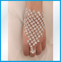 Top quality bling Fashion rhinestone Bridal hand chain bracelet with finger ring wedding jewelry accessories women