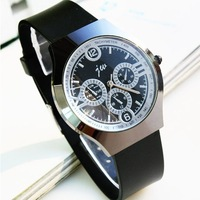New Fashion Black Men's Watch Silicone Belt Man Male Gentle Man Sports Dress Quartz Wrist Watches Free Shipping