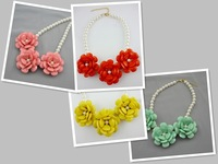 Free-shipping, Inspired Bubble Bib Necklace Vintage Color Chunky Acrylic Flower Statement Necklace 4 Colors Option