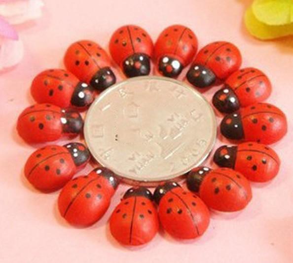 2014 New baratos 10 x Joaninha bonito Beetle imã , pintada à mão etiqueta magnética , Frigorífico etiqueta(China (Mainland))