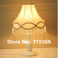 The new listing of European pastoral bedroom bedside lamp lamp Beige lace wood desk lamp modern classical