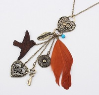 Mix Orders Over 10$ Free Shipping! Fashion vintage fashion swallows feather necklace cxt92711