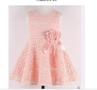 The new fashion kid girls dress cute hole hole lace princess crony flowers of the girls size 90cm--130cm