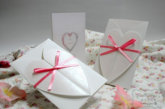 2013 newest made by Korean 50 pcs wedding invitations , can add picture , map free shipping(China (Mainland))
