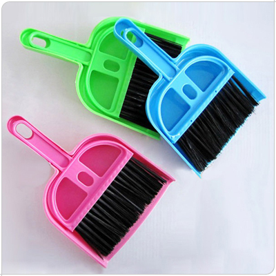 Small besmirchers set computer broom small dustpan belt small besmirchers set 49g(China (Mainland))