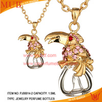 China wholesale gold plated crystal perfume glass bottle necklace charms glede pendant necklace