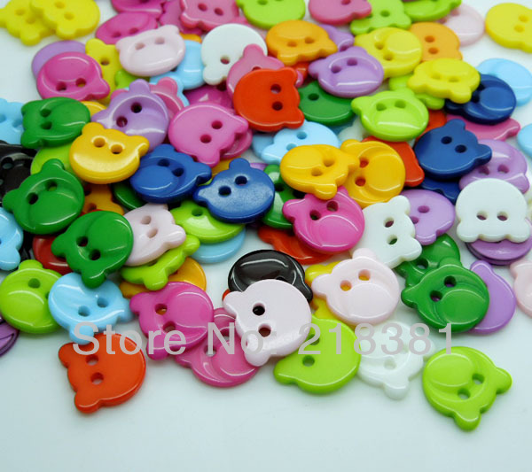 200pcs Random Mixed Candy Colours Bear Head Shape Resin Buttons Fit Sewing and Scrapbooing Craft 13x13mm(China (Mainland))