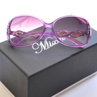 European and American fashion sunglasses , fashion eyewear