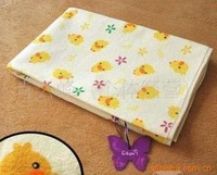 Full exported to Japan Nishimatsu house yellow duckling breathable waterproof changing mat medium ( 70 * 60 )