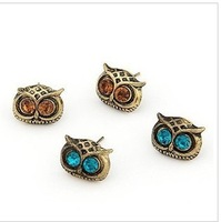 E230  Wholesales Christmas Gifts High Quality Fashion Vintage Owl Eye Stud Earrings Jewelry For Girl