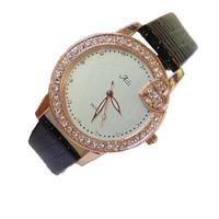 New Fashion Exquisite Minimalist Style Rhinestone Studded Heart Leather Quartz Watches Women
