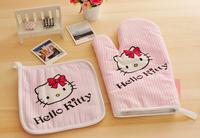 Hello Kitty  Pattern Protector Microwave Oven Mitten Glove & Cotton Heat Insulation Table Mat Set