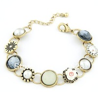 Min order $10 (mix order) Exquisite fashion petty all-match sweet flower bracelet