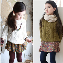 Children's clothing 2013 twisted female child o-neck sweater thickening 100% cotton ball green and white  children clothing(China (Mainland))