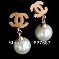 Free shipping temperament classic imitation pearl rose gold earrings titanium steel