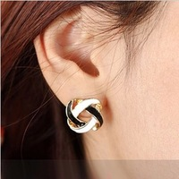 Brief all-match vintage cutout knitted white and black stud earring