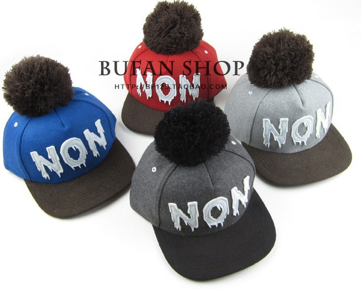 Free shipping 2013 new Lovely and Fashion women winter baseball wool cap with big pompom/ top ball lady winter cap h179(China (Mainland))