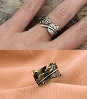 RI15 vintage feather ring general wholesale charms tTN-1.95 Free Shipping