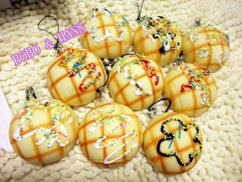 New Cute cream flower Pineapple bun squishy charm / mobile phone strap Pendant / Wholesale(China (Mainland))