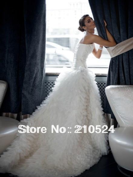 Charmante amie 2013 blanc, corset, pli appliques zipper dos une ligne ruchés volants organza robes de mariée