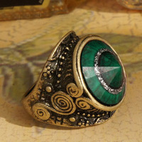Sakura's Store R1178 fashion accessories green gem vintage carved ring