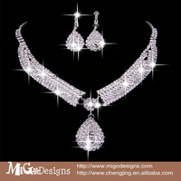 Luxury Crystal Water Drop Shaped Earrings Necklace Jewelry Set 2014 New Fashion