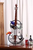 Antique Finishing Metal Art Guitar Model Wine Bottle Holder Craft Decoration Furnishing for Wine Storage and Room Decoration